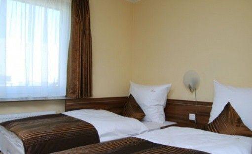 zdjęcie pokoju, P.U.H. Trzy Światy, Gliwice