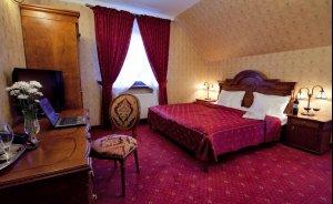 Zespół Dworski Hotel Sarmata*** Hotel *** / 1