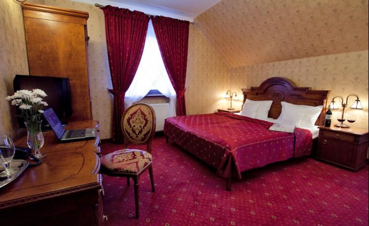 Hotel *** Zespół Dworski Hotel Sarmata*** / 28