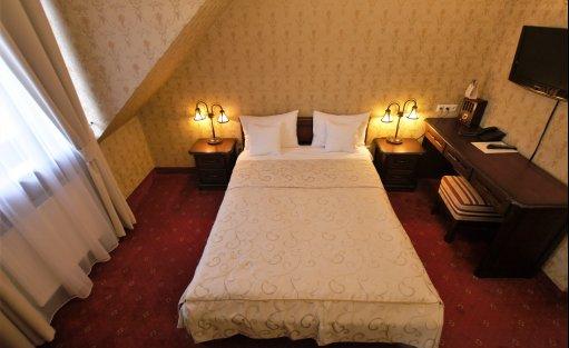 Hotel *** Zespół Dworski Hotel Sarmata*** / 11