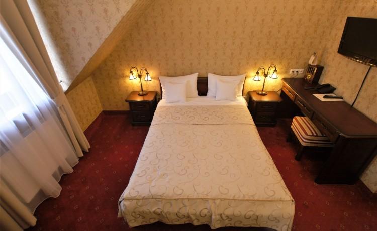 Hotel *** Zespół Dworski Hotel Sarmata*** / 33