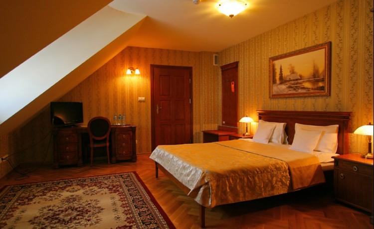 Hotel *** Zespół Dworski Hotel Sarmata*** / 31