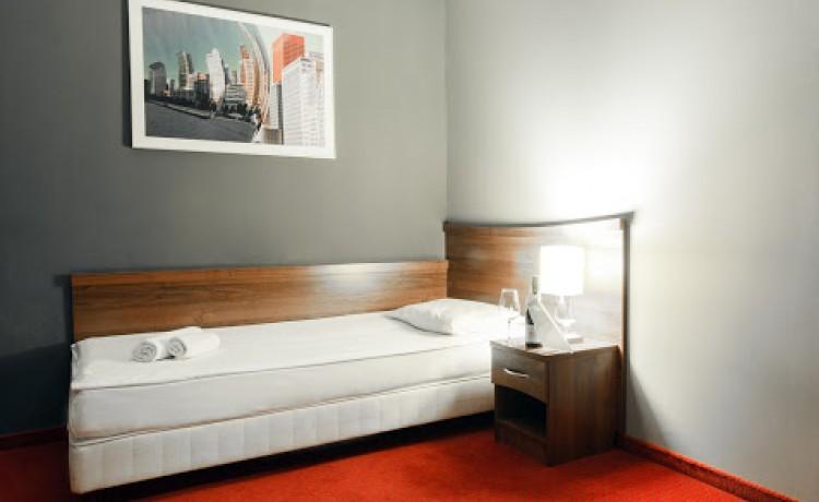 Hotel *** m Hotel / 15