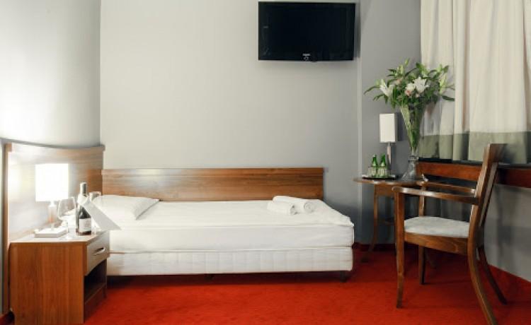 Hotel *** m Hotel / 17