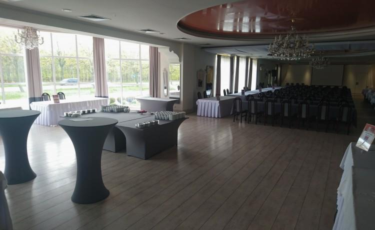 Hotel *** Centrum Hotelowo - Konferencyjne DELICJUSZ / 6