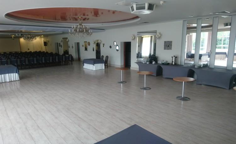 Hotel *** Centrum Hotelowo - Konferencyjne DELICJUSZ / 10