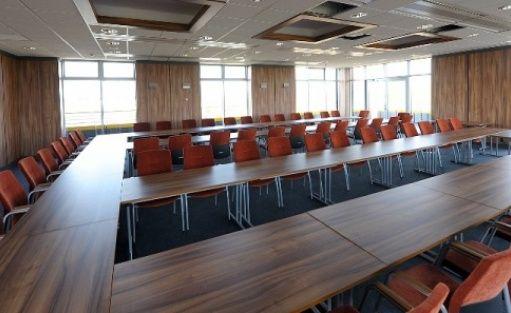 zdjęcie sali konferencyjnej, Instytut Ognia Spartherm, Gorzów Wielkopolski