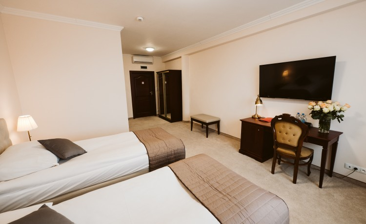 Hotel *** Hotel GROMAN / 28