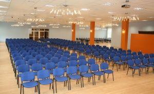 zdjęcie sali konferencyjnej, Centrum Konferencyjno Bankietowe Knieja w Supraślu, Supraśl