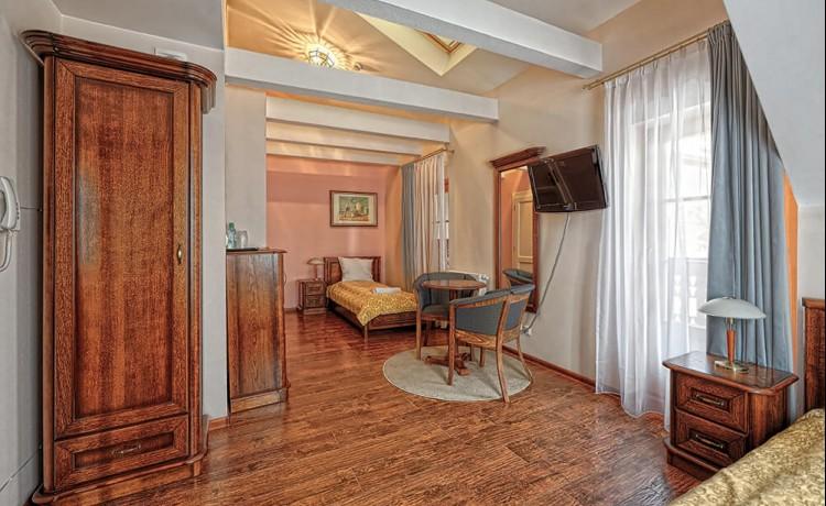 Hotel *** Hotel Modrzewiówka / 5