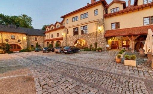 Hotel *** Folwark Stara Winiarnia / 3