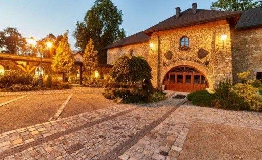 Hotel *** Folwark Stara Winiarnia / 2