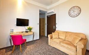 Hotel Nosselia***, 40 minut od Warszawy  Ośrodek szkoleniowo- wypoczynkowy / 4