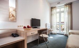 Hotel Nosselia***, 40 minut od Warszawy  Ośrodek szkoleniowo- wypoczynkowy / 5