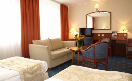 zdjęcie pokoju, Ośrodek Szkoleniowo - Wypoczynkowy Allianz w Ryni, Rynia