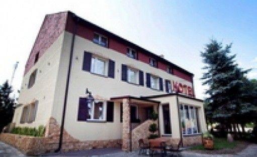 zdjęcie obiektu, Restauracja & Hotel *** Złoty Lin, Serock