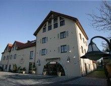 Villa Estera**** Hotel & Restauracja