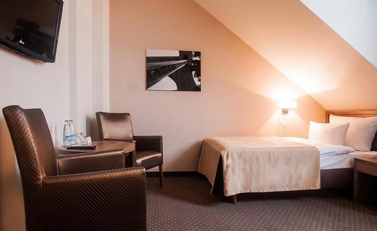 Hotel *** Hotel GEM / 65