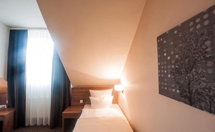 Hotel *** Hotel GEM / 69