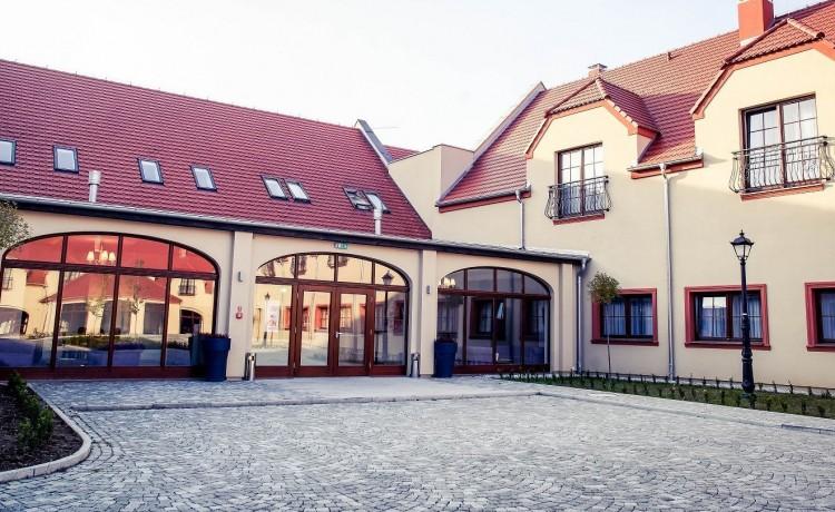 Hotel *** Pałac Krotoszyce *** / 1