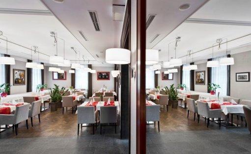 Hotel **** Red Baron Hotel & Restauracja / 10