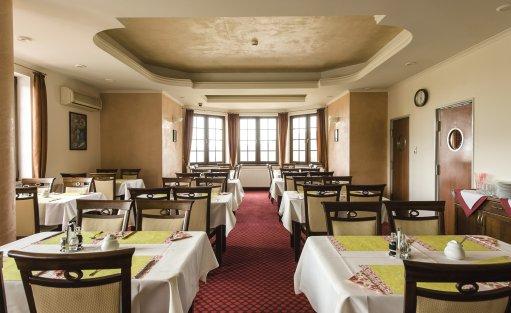 Hotel *** DZIKI POTOK Hotel *** Konferencje Grill & Prestige SPA / 80