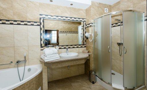 Hotel *** DZIKI POTOK Hotel *** Konferencje Grill & Prestige SPA / 24