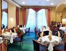 Hotel Piast Roman