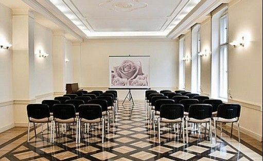 zdjęcie sali konferencyjnej, Dom Edyty Stein, Wrocław