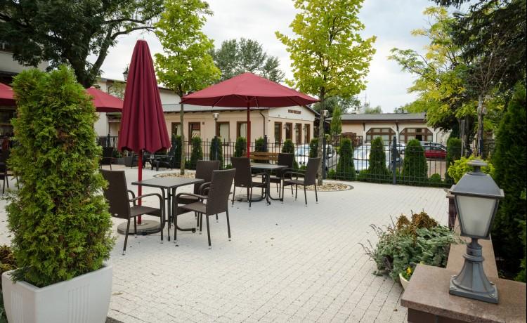 Hotel *** Stara Garbarnia Banquet Park / 1