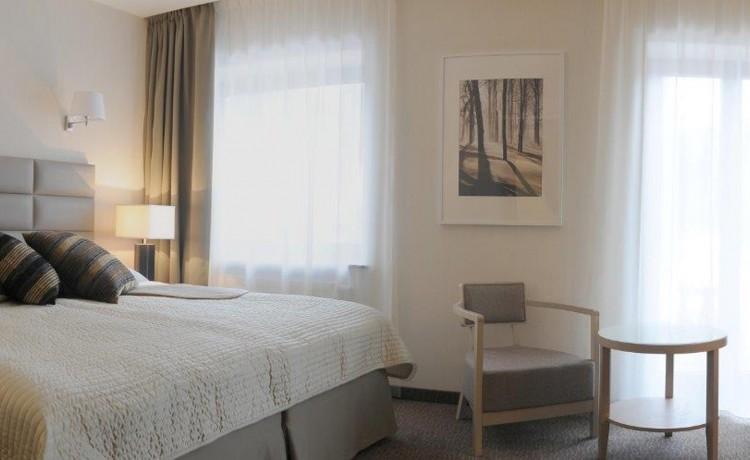Hotel **** Columna Medica / 12