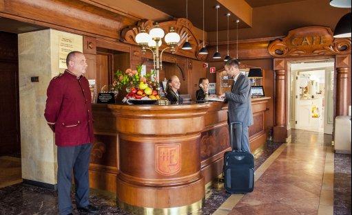 Hotel *** Hotel Europejski    / 1
