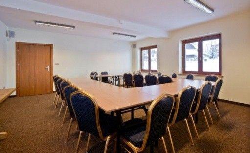 zdjęcie sali konferencyjnej, Liliowy Dwór, Zakopane