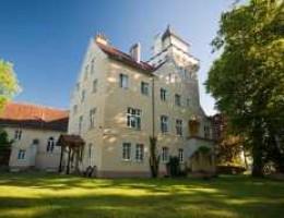 Hotel Zamek Nowęcin