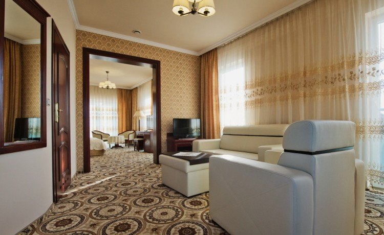 Hotel *** Royal Park Hotel & SPA *** / 4