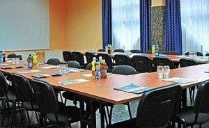 zdjęcie sali konferencyjnej, OSiR Wawrzkowizna, Rząsawa