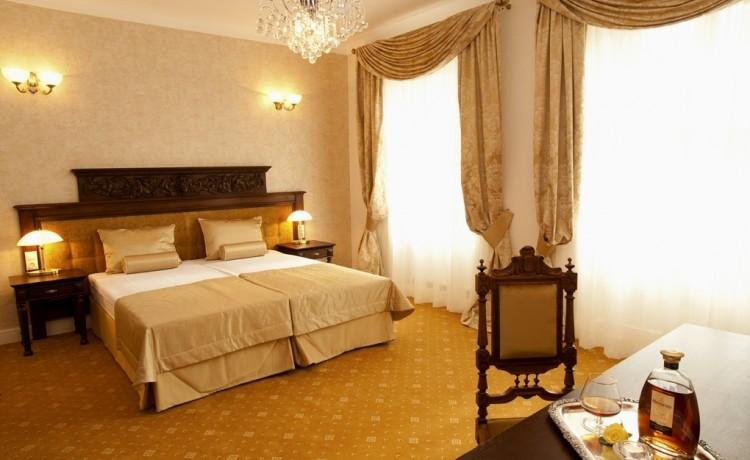 Hotel **** Hotel Kolegiacki  / 6