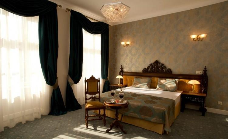 Hotel **** Hotel Kolegiacki  / 3