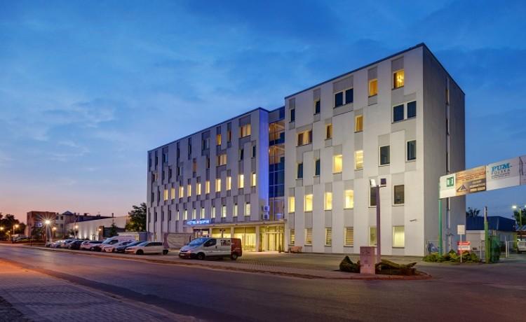 Hotel *** Hotel Safir / 1