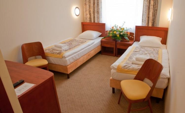 zdjęcie pokoju, Centrum Konferencyjno-Bankietowe RUBIN, Łódź