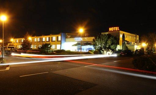 Hotel ** Hotel Zawisza / 0
