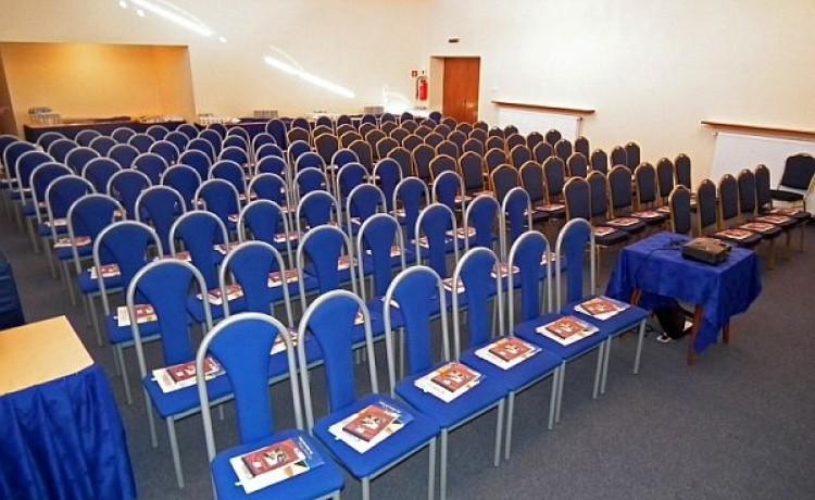 zdjęcie sali konferencyjnej, Dom Zdrojowy, Ciechocinek