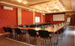zdjęcie sali konferencyjnej, CENTRUM ROZRYWKI I WYPOCZYNKU 3F, Góra Kalwaria