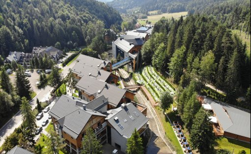 Hotel **** Hotel Czarny Potok Resort SPA & Conference / 0