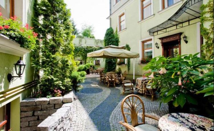 Hotel **** Hotel Pod Złotą Różą / 0