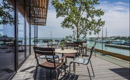 Hotel **** Courtyard by Marriott Gdynia Waterfront / 0