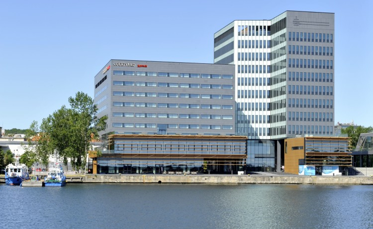 Hotel **** Courtyard by Marriott Gdynia Waterfront / 1