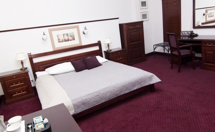 Hotel *** Hotel Royal *** / 7
