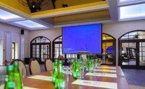 Dębowy Hotel|Event|SPA Pałace, dworki, zamki / 0