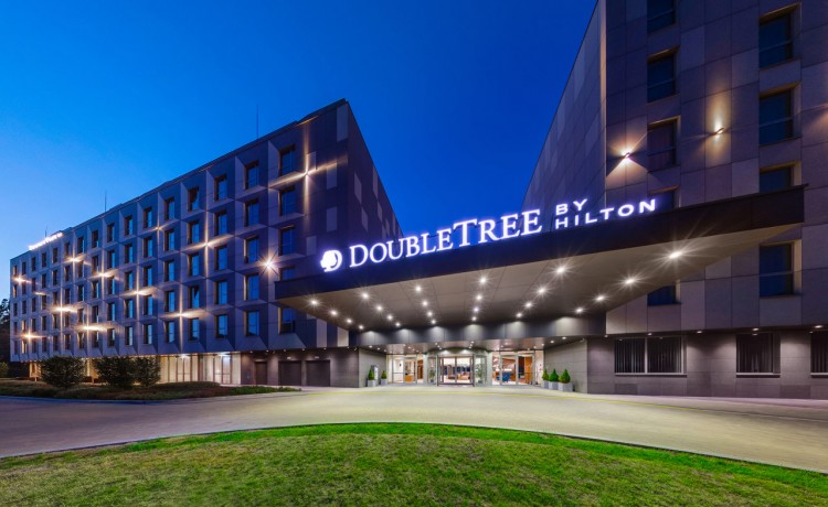 Hotel **** DoubleTree by Hilton Kraków Hotel & Convention Center / 0